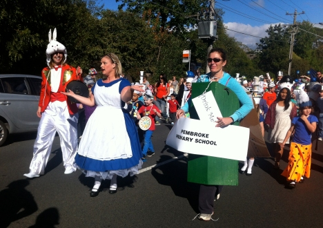 Pembroke Primary School in the Celebrate Mooroolbark Street Parade 2014
